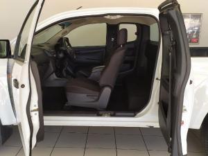 Isuzu D-Max 250 Extended cab Hi-Ride - Image 4