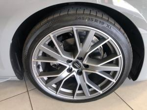 Audi A4 40TFSI S line - Image 6