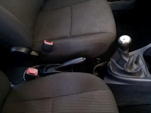 Toyota Etios sedan 1.5 Xs - Image 14
