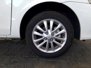 Toyota Etios sedan 1.5 Xs - Image 18