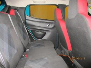 Renault Kwid 1.0 Dynamique 5-Door automatic - Image 11