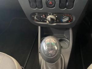 Nissan NP200 1.6i (aircon) - Image 8
