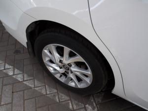 Toyota Corolla 1.4D-4D Prestige - Image 13