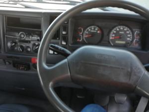 Isuzu GXR 35-360 T/T Chassis Cab - Image 5