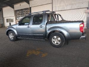 Nissan Navara 2.5dCi double cab SE - Image 4