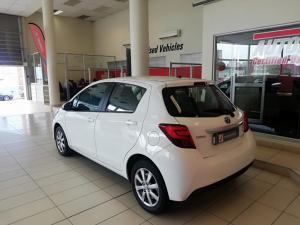 Toyota Yaris Hybrid - Image 3