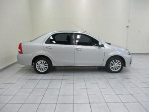 Toyota Etios sedan 1.5 Xs - Image 4