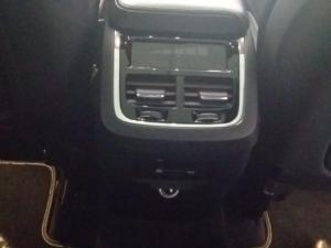 Volvo XC60 D5 AWD R-Design - Image 10