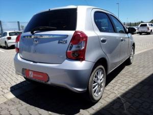 Toyota Etios hatch 1.5 Xs - Image 6