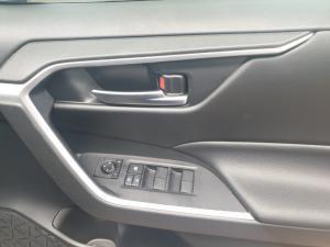 Toyota RAV4 2.0 GX auto - Image 22