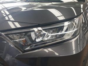 Toyota RAV4 2.0 GX auto - Image 25