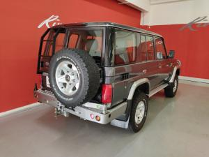 Toyota Land Cruiser 76 Land Cruiser 76 4.2D station wagon 60th Edition - Image 3