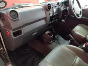 Toyota Land Cruiser 76 Land Cruiser 76 4.2D station wagon 60th Edition - Image 6
