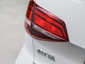 Volkswagen Jetta GP 1.6 Conceptline - Image 6