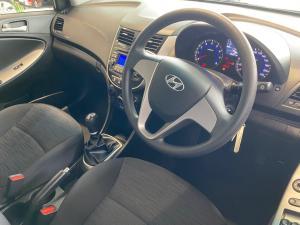 Hyundai Accent 1.6 GL - Image 9
