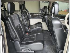Chrysler Grand Voyager 2.8CRD Limited - Image 4