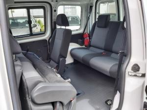 Volkswagen Caddy 1.6 crew bus - Image 17