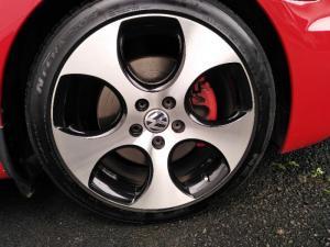 Volkswagen Golf GTI - Image 18