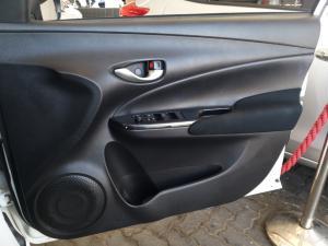 Toyota Yaris 1.5 Xs auto - Image 16