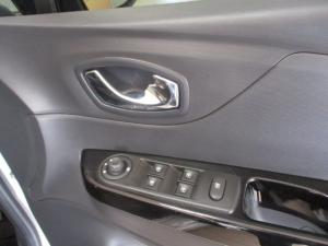 Renault Captur 900T Dynamique 5-Door - Image 13