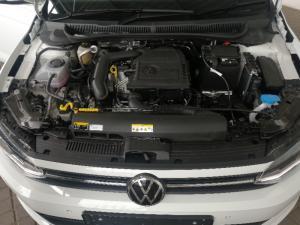 Volkswagen Polo hatch 1.0TSI Highline auto - Image 15