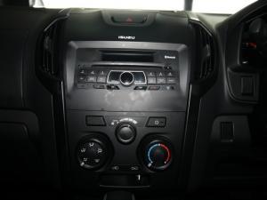 Isuzu D-Max 250 double cab Hi-Ride auto - Image 18