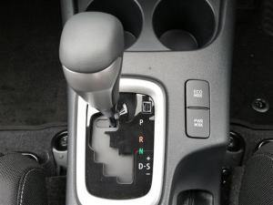 Toyota Hilux 2.8GD-6 double cab Raider auto - Image 11