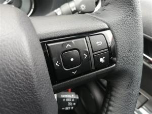 Toyota Hilux 2.8GD-6 double cab Raider auto - Image 9