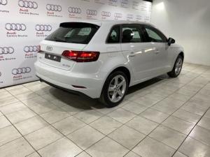 Audi A3 Sportback 1.0 Tfsi Stronic - Image 3