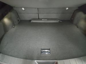Lexus UX 200 F-Sport - Image 10