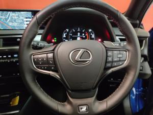 Lexus UX 200 F-Sport - Image 14