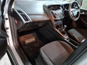 Ford Focus hatch 1.0T Trend - Image 10