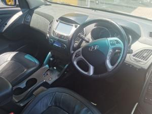 Hyundai ix35 2.0CRDi 4WD Elite - Image 6