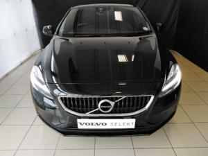 Volvo V40 T4 Momentum auto - Image 2