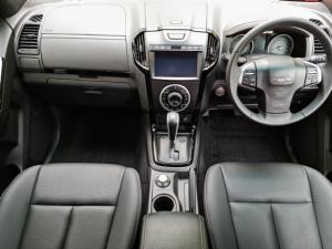 Isuzu D-Max 300 3.0TD double cab 4x4 LX auto - Image 8