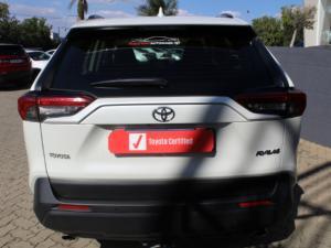 Toyota RAV4 2.0 GX auto - Image 3