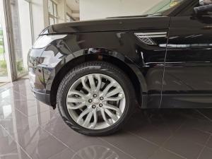 Land Rover Range Rover Sport 4.4 SDV8 HSE - Image 10