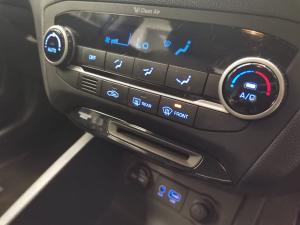 Hyundai i20 1.2 Fluid - Image 10