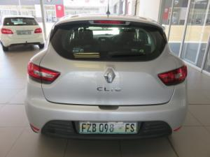 Renault Clio IV 1.2T Expression EDC 5-Door - Image 4