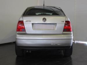 Volkswagen Jetta 4 V5 - Image 4
