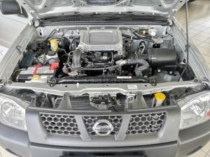 Nissan NP300 Hardbody 2.5TDi - Image 11