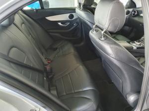 Mercedes-Benz C-Class C200 auto - Image 15