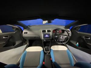 Volkswagen Polo Vivo hatch 1.4 Mswenko - Image 7