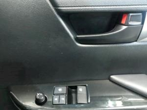 Toyota Hilux 2.4GD S (aircon) - Image 10