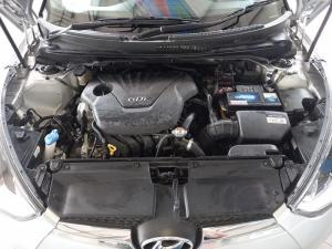 Hyundai Veloster 1.6 GDI Executive - Image 8
