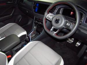 Volkswagen T-ROC 2.0 TSI 4M R-LINE DSG - Image 9