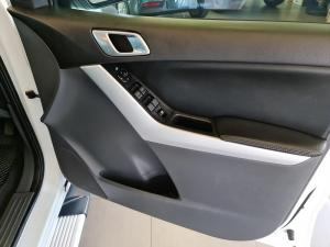 Mazda BT-50 3.2TDi SLE automaticD/C - Image 11