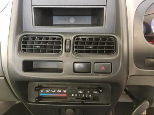Nissan NP300 Hardbody 2.5TDi - Image 10