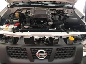 Nissan NP300 Hardbody 2.5TDi - Image 12