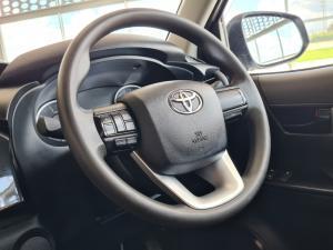 Toyota Hilux 2.4GD-6 SRX - Image 9